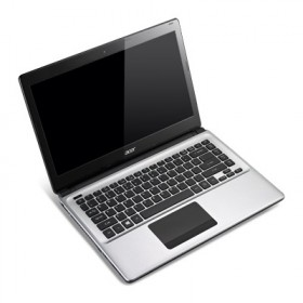 Laptop Acer Aspire E1-472G